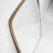 specchio dal design nordico e attuale dal bordo minimal in legno massiccio di rovere