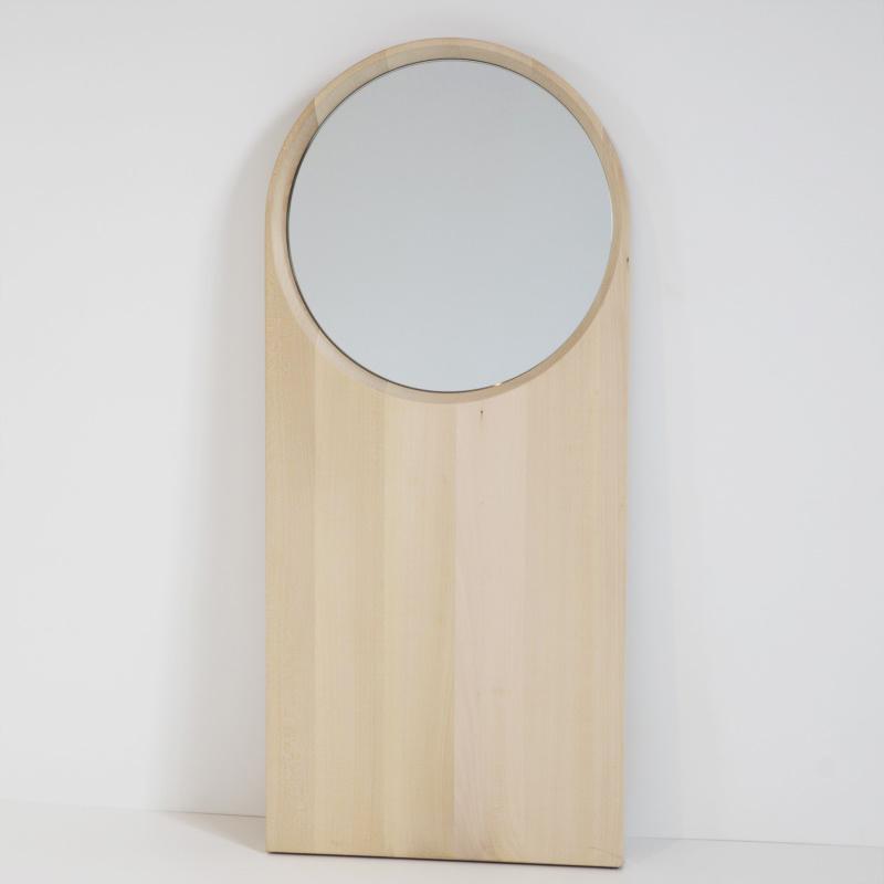 Specchio in Tiglio Massello dal design scandinavo