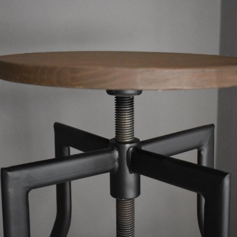 Sgabello ferro e legno modello RUZIN